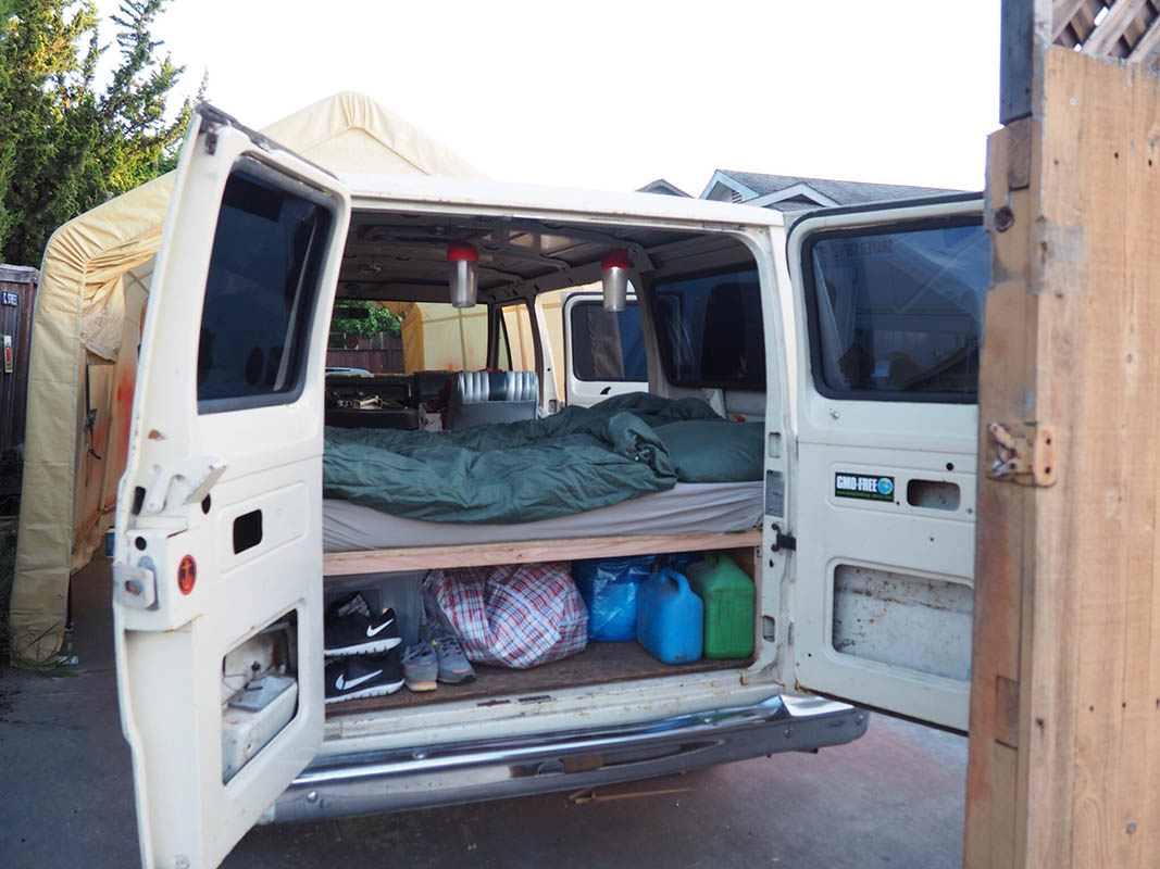 packed and ready to go - Ausbau Van /  Van Conversion