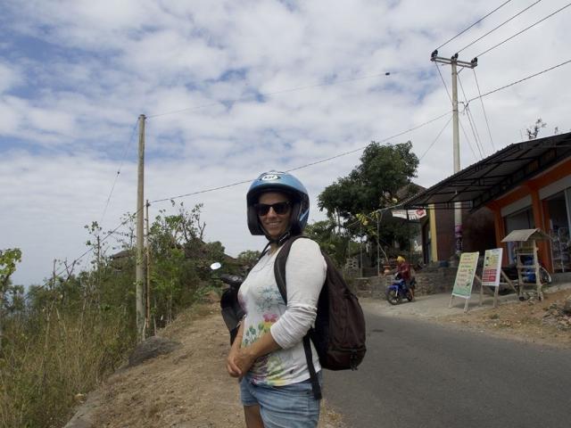 sabrina with a funy helmet 1024x768 640x480 - Eine Reise mit Freunden