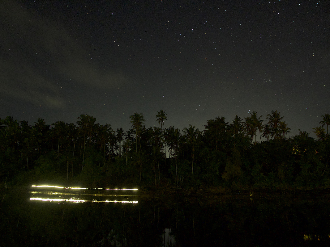 stars-and-light-tracks-balian-river-bal