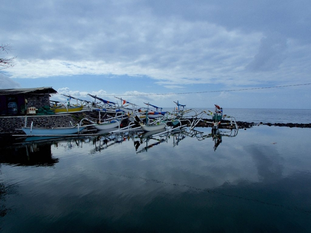 the-harbor-of-amed-and-some-fisherboats